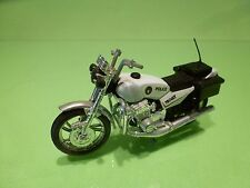 MOTOR CYCLE 750GT 750 GT - POLICE - WHITE 1:24? - GOOD CONDITION