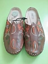 SIZE 39 / SIZE 7 -  7.5 WOMEN'S BROWN HALF SLIP ON 'RIVERS' LEATHER SHOES BNWT