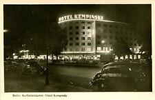 AK Berlin Charlottenburg 1955 Kurfürstendamm Hotel Kempinski Nachtaufnahme Autos