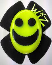 WIZ BLACK-VIZ YELLOW SMILEY KNEE SLIDERS