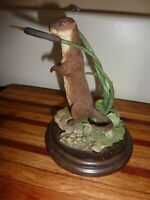 Country Artists, Otter Standing CA 498 6 inches tall