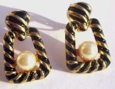 Belles boucles d'oreilles couleur noir et or clip bijou vintage perle nacre 3232