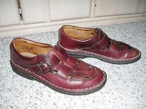 BARETRAPS Bare Traps 'Explorer' Leather Flat Cutout Sandal Shoe~Brown~Size 7M
