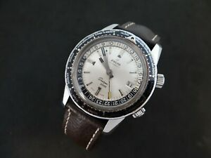 VINTAGE ENICAR SHERPA GUIDE 600 GMT STAINLESS STEEL AUTOMATIC SILVER DIAL