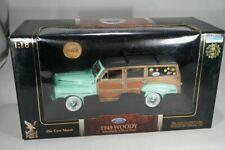 Road Signature 1:18 Ford Woody 1948 in mintgrün  Modellauto in Box - Lagerfund