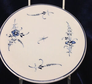 "VILLEROY & BOCH VIEUX LUXEMBOURG ROUND TRIVET 6 1/2"" BLUE FLOWERS"