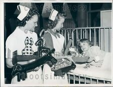 1943 Chicago Children's Memorial Hospital Nurses w Improvised Toys Press Photo