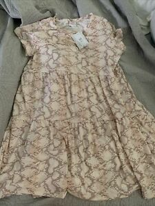 Lularoe Ariel L NWT  Tiered Pink Snake Dress Pockets!