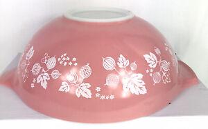 Vintage Pyrex Pink Gooseberry 444 Cinderella Mixing Bowl 4 Quart