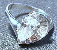 VINTAGE LADY'S DIAMOND ENGAGEMENT RING WITH PLATINUM SETTING.