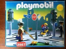 Playmobil 3987 Traffic Control Intersection with traffic light people & signs