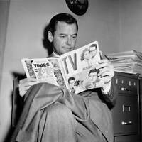 American Actor Gig Young Reading A Copy Of Tv Magazine Circa 1959 OLD PHOTO