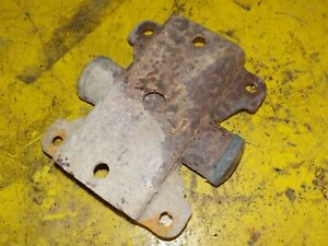 (1) 01-07 Dodge Caravan Rear Leaf Spring Shackle Mounting Plate @ Frame Genuine