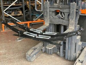 Pair of Nissan Navara D40 Heavy Duty 4+1 Leaf Springs with U Bolts 2005 on