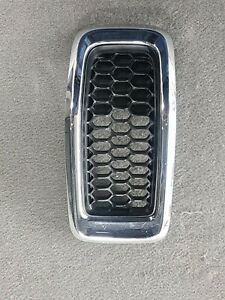"""2014-2018 JEEP CHEROKEE FRONT GRILLE INSERT """"5"""" OEM 68138335A"""