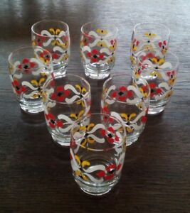 Vintage 8 teiliges Set alte Hand bemalte  Likör Schnaps-gläser 60er Jahre DDR