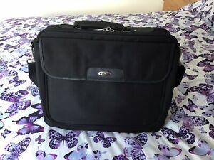 Targus CN01 Laptop Bag