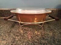 Vintage Pyrex #043 1 ½ Qt Early American Casserole w/ Glass Lid & Metal Holder