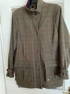 Toggi ladies green Tweed Breamar jacket, 100% wool size 16 two way zip
