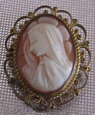 Ancienne broche pendentif camée représentant La Vierge entourage filigrane