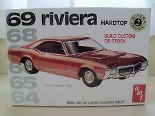 Amt - Buyer'S Choice - (1969) '69 Buick Riviera Hardtop - Model Kit (Sealed)