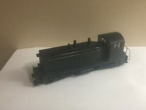 ATHEARN UN-POWERED SW1500 UNDECORATED LOCOMOTIVE HO SCALE EXCELLENT