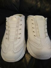 DELITE WHITE LEATHER MEMORY FOAM AIROCOOLED SKECHERS .SIZE 5.5 M