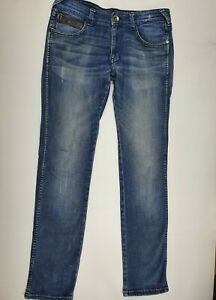 "Wrangler Jeans - Skanders - Low Rise, Slim Fit, Narrow Leg, Stretch - 32"" Waist"