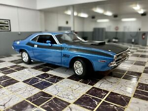 WELLY DODGE CHALLENGER 1979 BLUE 1/24 SCALE DIECAST MODEL CAR