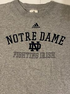 Notre Dame Fighting Irish Football Adidas Gray T-Shirt Men's Size. Large EUC