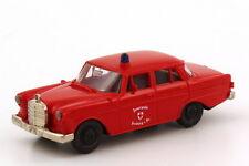 1:87 Mercedes-Benz 190c W110 Feuerwehr Freiburg i. Br. - Brekina 1821