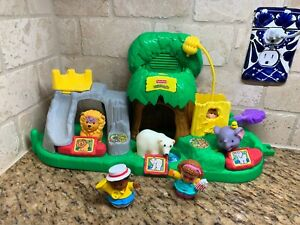 Fisher Price Little People Animal Sounds Zoo Talking Musical Playset
