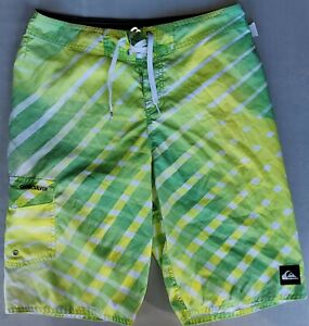🏄 🏄 🏄 Quiksilver Boardshorts Swim Trunks Yellow and Green Young Men's Size 29
