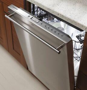 GE Monogram Dishwasher MODEL ZDT915SSJSS