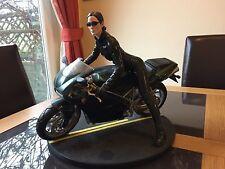 Gentle Giant MATRIX RELOADED Trinity sur Ducati Vélo 1/6 édition limitée RARE