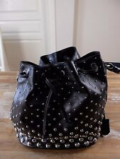 auth ALEXANDER MCQUEEN black studded leather bucket bag with skull padlock