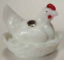 Vintage Westmoreland Small Milk Glass Hen Chicken On Nest Eapg W/ Sticker