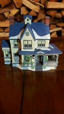 Dept 56 New England Village Series Ada's Bed and Boarding House 1988 w/ Light