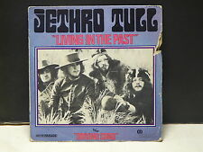 JETHRO TULL Living in the past WIP6056 ( bull-eye label )