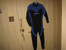 New listing boys hydropro wet suit small