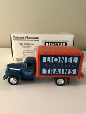 First Gear Eastwood 19-0104 1951 Ford F-6 Box Truck Lionel Trains 1:34 Scale