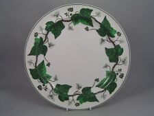 """WEDGWOOD GREEN NAPOLEON IVY 10"""" DINNER PLATE."""