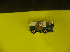 NCAA NORTH DAKOTA SIOUX LOGO ZAMBONI PIN