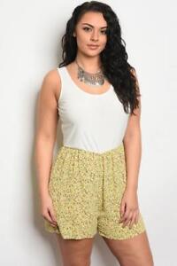NEW.Stylish Plus Size Ivory & Yellow Ditsy Print Romper Playsuit Shorts.2xl/SZ16