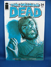 THE WALKING DEAD 24 NM 9.6 9.8 or better 2005 CRISP UNREAD