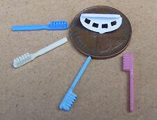 Dos Escobas//cepillos de madera casa de muñecas en miniatura 1.12 Escala Accesorio