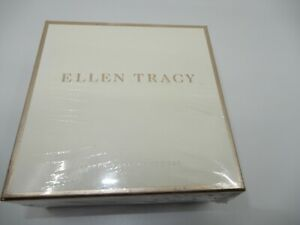 Ellen Tracy Silken Dusting Powder 6 oz / 170 g  New in sealed box