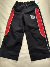 BNWT Boys official fully lined England tracksuit jogging bottoms. Size 4 years