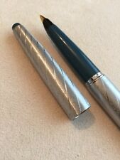 EXTREMELY RARE PARKER 45 LADY SILVER BROCADE FOUNTAIN PEN-14k F NIB-USA-SUPERB