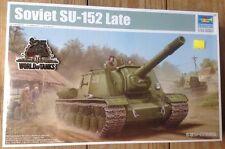 Trumpeter 1/35 Soviet SU-152 Late tank plastic model kit new 5568 *